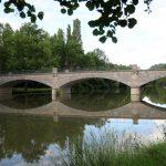 Pont de Villeherviers sur la Sauldre vu du Baltan